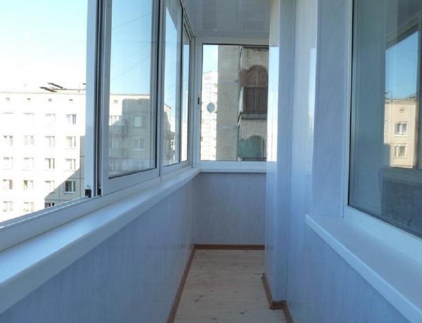 Отделка балкона и лоджии пластиковыми панелями в москве и мо.